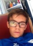Thibaut, 20  , Vannes