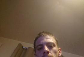 Danny, 27 - Just Me