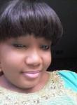 Régina, 34  , Libreville