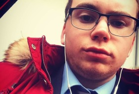 Alister, 20 - Just Me