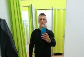 reinhard, 53 - Just Me