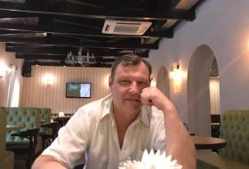 Yuriy, 43 - Just Me