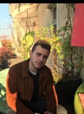 Arthur, 27, France, Paris