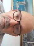 Maurizio, 57  , Teramo