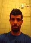 Eliandro, 37  , Santos
