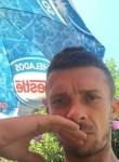 Roberto, 32  , Sopela