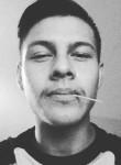 Andrew, 25, Corona