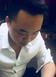 何坚, 28  , Nanjing