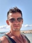 astrit guri mo, 40  , Molfetta