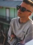 Ivan , 19  , Sevastopol