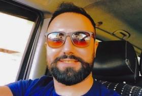Ahmet, 28 - Just Me