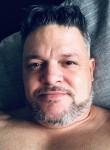 Tony jose, 42  , Barcelona