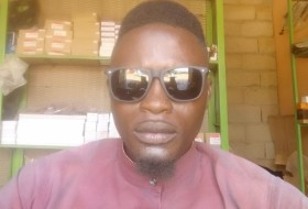 Noah musa, 27 - Just Me