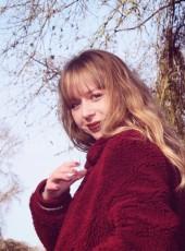 Laura, 18, Belgium, De Panne