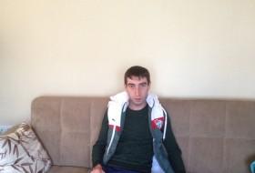 Timur , 29 - Just Me