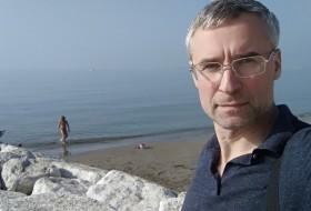 Dmitriy, 43 - Just Me