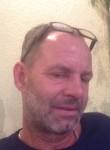 Bisou, 50  , Vienna