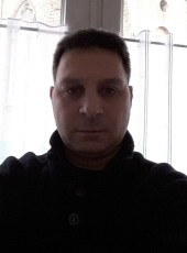 Ys, 42, France, Valenciennes