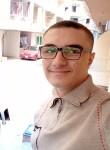 Ahmad, 18  , Tanda