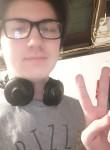 Sylas, 19  , Galesburg
