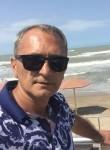 Ali, 43  , Sumqayit