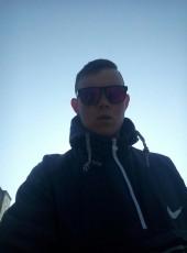 grigoriy, 18, Ukraine, Koryukivka