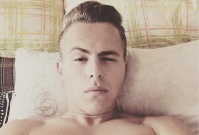 Artyem , 24 - Just Me