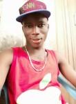 Bakari , 18  , Libreville