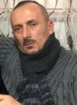 suadi, 40  , Tirana