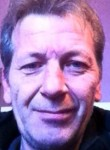 Philippe, 50  , Lyon