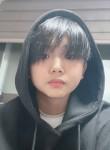 Zhenya, 19  , Gwangju