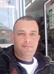 Lazhar, 30  , Hassi Messaoud