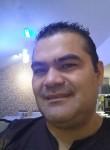 Juan, 39, Quito