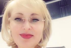 Mayya, 47 - Just Me