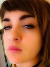 Elena, 30, Russia, Nakhodka