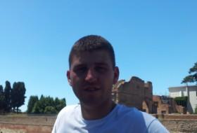 Romik, 33 - Just Me