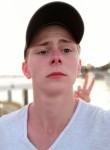 viktor, 18  , Berehove