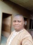 Alex Tokpanou, 30  , Cotonou