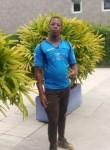 Bernard, 18  , Libreville