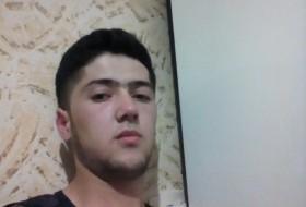 Maksim, 26 - Just Me