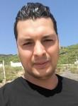 Ayoub, 28  , Tunis