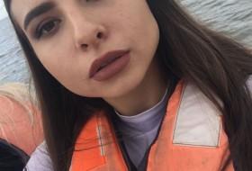 Alina , 18 - Just Me