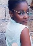 Salena Gomes , 18  , Port-au-Prince