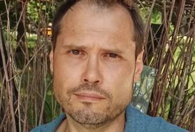 Igor , 42 - Just Me
