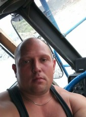 Sergey, 33, Russia, Berezovskiy