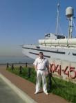 denis  pavlov, 42  , Petrodvorets