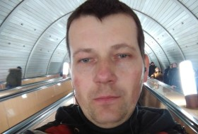 Yuriy, 47 - Just Me