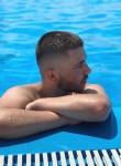 Albin, 19  , Pristina
