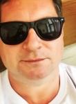 Viktor, 45, Moscow