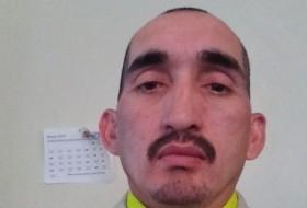 Leonel, 43 - Just Me